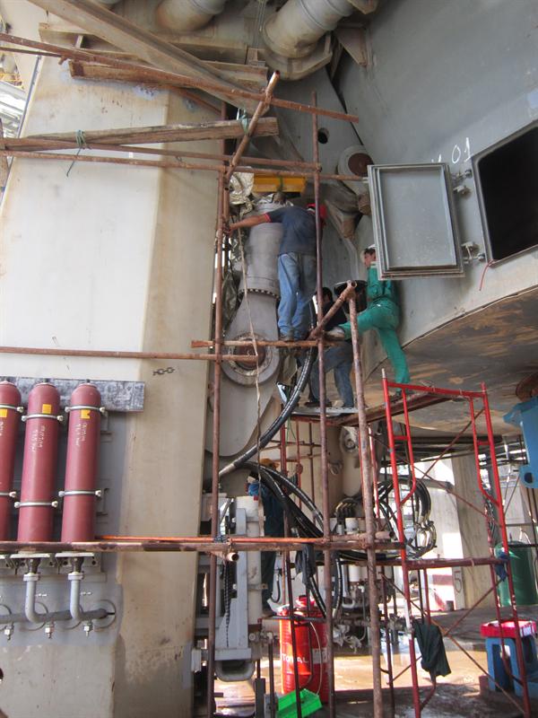 súc rửa đường ống dầu thủy lực