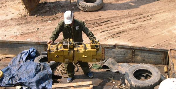 Hoạt động sửa chữa thiết bị thủy lực diễn ra hàng ngày